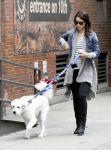 Celebrities Wonder 28125681_olivia-wilde-dog_6.jpg