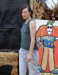 Celebrities Wonder 28693619_milla-jovovich-Mr-Bones-Pumpkin-Patch_6.jpg