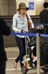 Celebrities Wonder 31441629_emma-stone-airport_2.jpg