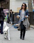 Celebrities Wonder 34546114_olivia-wilde-dog_1.jpg