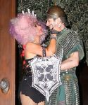 Celebrities Wonder 34714761_christina-aguilera-halloween_7.jpg