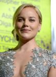 Celebrities Wonder 35712099_Seven-Psychopaths-premiere-Westwood_4.jpg