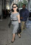 Celebrities Wonder 36922730_dita-von-teese-The-Wendy-Williams-Show_4.jpg