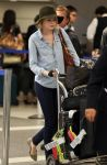 Celebrities Wonder 39294238_emma-stone-airport_1.jpg