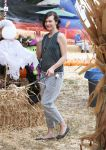 Celebrities Wonder 41355332_milla-jovovich-Mr-Bones-Pumpkin-Patch_4.jpg