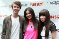 Celebrities Wonder 45166103_victoria-justice-screening-Fun-Size_6.jpg