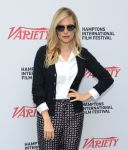 Celebrities Wonder 45282581_sienna-miller-hamptons-film-festival_6.jpg