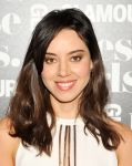 Celebrities Wonder 48255856_Glamour-Presents-These-Girls_Aubrey Plaza 2.jpg