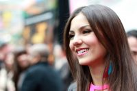 Celebrities Wonder 52703764_victoria-justice-screening-Fun-Size_7.jpg
