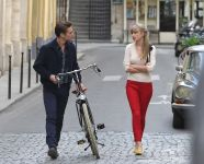 Celebrities Wonder 55752343_taylor-swift-Filming-Begin Again-music-video_4.jpg