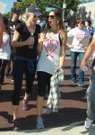 Celebrities Wonder 60540788_aids-walk_Leslie Bibb 2.JPG