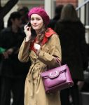 Celebrities Wonder 64682546_leighton-meester-gossip-girl-set_8.jpg
