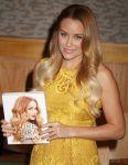 Celebrities Wonder 74399649_lauren-conrad-book-signing_7.JPG
