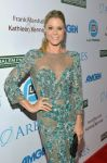 Celebrities Wonder 75731120_julie-bowen-LAs-Promise-2012-Gala_5.jpg
