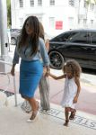 Celebrities Wonder 75908819_kim-kardashian-Miami_5.jpg