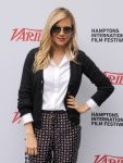 Celebrities Wonder 76165173_sienna-miller-hamptons-film-festival_5.jpg