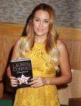 Celebrities Wonder 81046041_lauren-conrad-book-signing_6.JPG