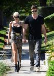Celebrities Wonder 82915962_miley-cyrus-liam-hemsworth_4.JPG