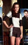 Celebrities Wonder 83126908_kristen-stewart-The-Twilight-Saga-Breaking-Dawn-Part-2-photocall-Tokyo_4.jpg