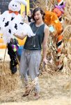 Celebrities Wonder 83617134_milla-jovovich-Mr-Bones-Pumpkin-Patch_5.jpg