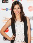 Celebrities Wonder 84147933_victoria-justice-Keep-A-Child-Alive-Dream-Halloween-Party_5.jpg