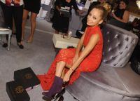 Celebrities Wonder 85043148_QVC-Presents-FFANY-Shoes-On-Sale-event_Nicole Richie 4.jpg