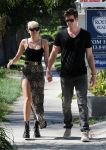 Celebrities Wonder 87269928_miley-cyrus-liam-hemsworth_6.JPG