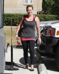 Celebrities Wonder 91657063_hilary-duff-pilates_2.jpg