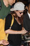 Celebrities Wonder 95870426_kristen-stewart-airport-tokyo_7.jpg