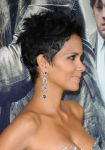 Celebrities Wonder 96081546_halle-berry-cloud-atlas-hollywood-premiere_8.JPG