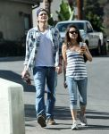 Celebrities Wonder 98497107_Mila-Kunis-Ashton-Kutcher_2.jpg