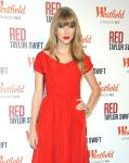Celebrities Wonder 15000562_taylor-swift-Westfield Shepherd-Bush-Shopping-Centre_3.jpg