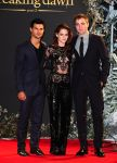 Celebrities Wonder 21956122_kristen-stewart-breaking-dawn-part-2-london_1.jpg