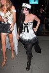 Celebrities Wonder 28183280_avril-lavigne-halloween_3.jpg