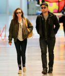 Celebrities Wonder 29731325_kristen-stewart-JFK-Airport_2.jpg