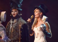 Celebrities Wonder 31602503_heidi-klum-hosting-2012-mtv-ema_7.JPG