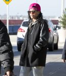 Celebrities Wonder 31625228_rihanna-jfk-airport_3.jpg