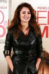 Celebrities Wonder 44418455_penelope-cruz-twice-born-rome-photocall_4.JPG