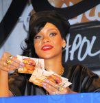 Celebrities Wonder 47035982_rihanna-Unapologetic-album-launch_8.jpg