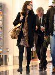 Celebrities Wonder 48937220_keira-knightley-airport_4.jpg