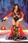 Celebrities Wonder 54702186_2012-Victorias-Secret-Fashion-Show_Adriana Lima 2.jpg