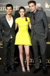 Celebrities Wonder 55529983_twilight-madrid-premiere_6.jpg