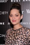 Celebrities Wonder 58951382_mairon-cotillard-rust-and-bone_7.JPG