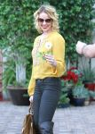 Celebrities Wonder 69475149_katherine-heigl-lunch_7.JPG