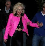 Celebrities Wonder 70136178_gwen-stefani-Jonathan-Ross-Halloween-party_8.jpg