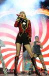 Celebrities Wonder 77847009_taylor-swift-performs-mtv-ema_5.jpg