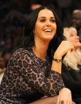Celebrities Wonder 7858162_katy-perry-lakers-game_5.JPG