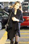 Celebrities Wonder 80718906_jessica-alba-Cedars-Sinai-Medical-Center_3.jpg