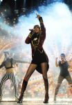 Celebrities Wonder 85671881_taylor-swift-mtv-ema-performance_4.jpg