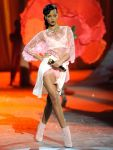 Celebrities Wonder 85948777_2012-Victorias-Secret-Fashion-Show_Rihanna 3.jpg